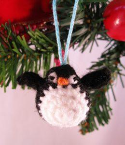 tiny-crochet-penguin-free-pattern-crochet