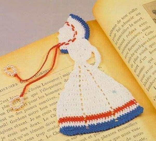 doll-crochet-bookmark