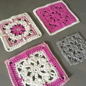 Regalia motif square crochet