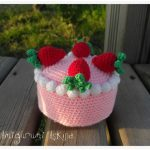 strawberry cake crochet amigurumi free pattern