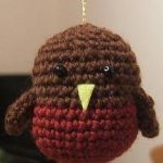 Christmas Robin decoration free crochet pattern