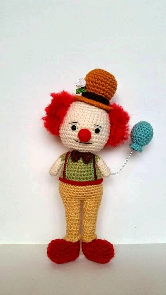 Clown Pattern Free Amigurumi ⋆ Crochet Kingdom