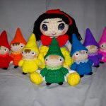 Snowwhite and Seven Dwarfs Free Crochet Pattern