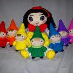 Snowwhite and Seven Dwarfs Free Crochet Pattern