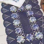 Blue carpet with flowers free crochet pattern
