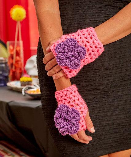 Flower Wristers Free Crochet Pattern