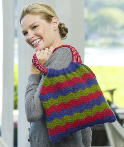 Wavy Shoulder Bag Free Crochet Pattern