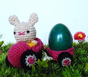 The Eggmobiles Free Easter Crochet Pattern