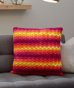 Splendid Shells Pillow Free Crochet Pattern