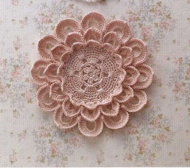 Ruffled Flower Doily Pattern