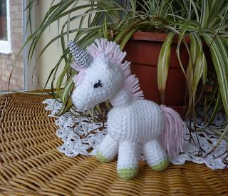 Free Unicorn Crochet Patterns. Magical little unicorn to crochet for free.