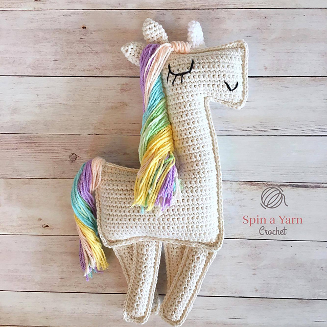 Fluffy Unicorn Amigurumi Pattern in 2020 (With images) | Crochet ... | 640x640