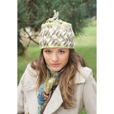 Patons Zig-Zag Hat Free Crochet Pattern for Women