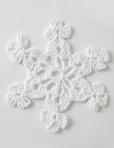 Twinkling Snowflakes Free Crochet Christmas Pattern