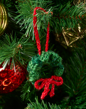 Free Crochet Wreath Ornament Knitting Pattern