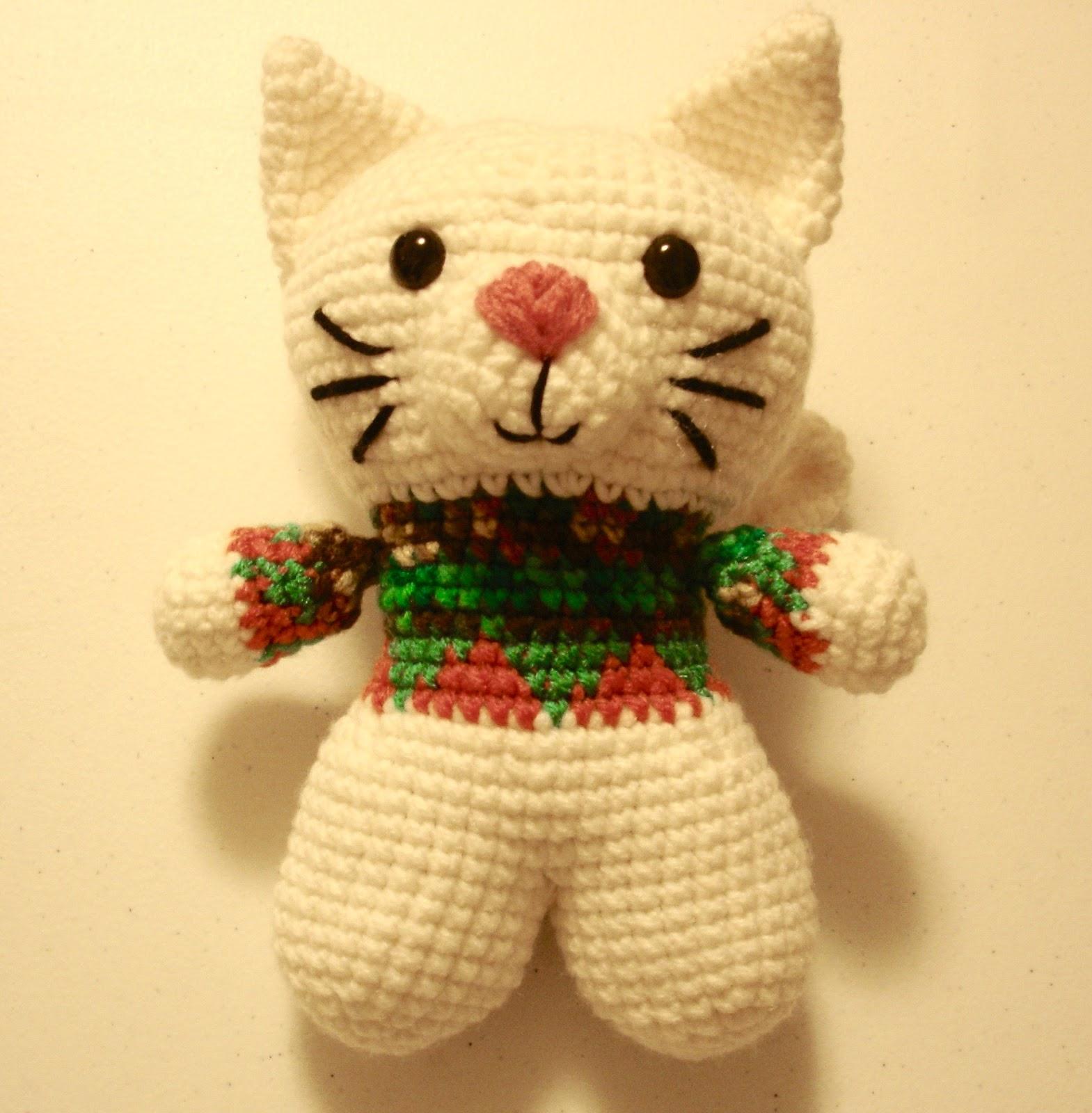 Amigurumi pattern for crochet chinchilla. Crochet cat toy pattern | 1600x1569