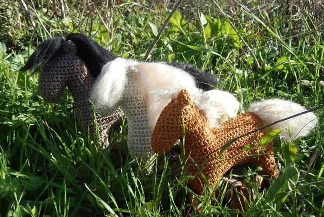 FREE} Amigurumi Crochet Horse pattern by Colour and Cotton ... | 435x649