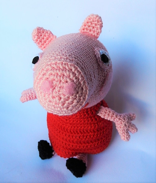 Crochet Along Pig | 586x500