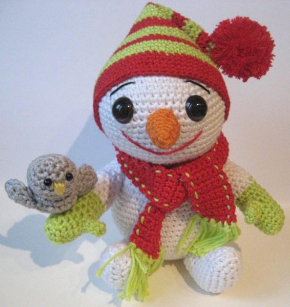 Cute Crochet Snowmen - Pattern Center | 598x566