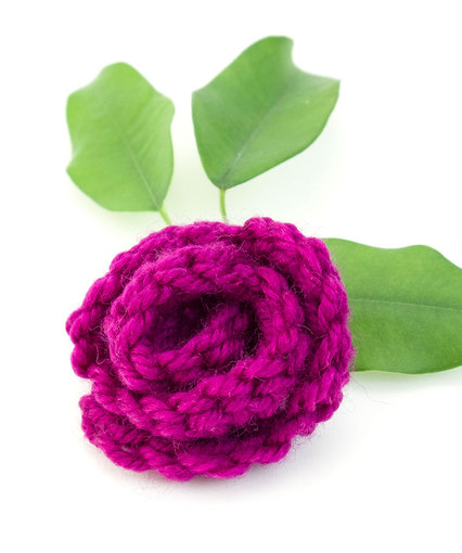 Crochet Rose Appliqué Free Pattern. Free rose crochet pattern.