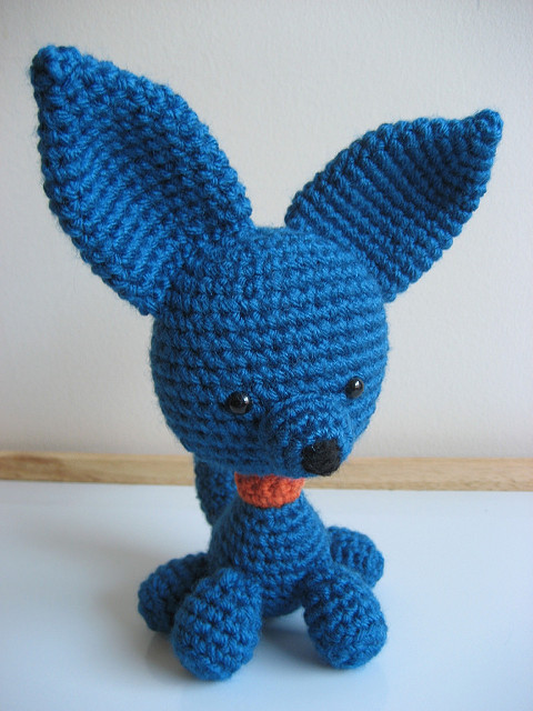 Amigurumi Perky Puppy. FREE crochet pattern dog amigurumi.