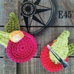 Apple Blossom Clips Free Crochet Pattern. Cute, easy and free crochet pattern for a hair clip with an apple blossom motif.
