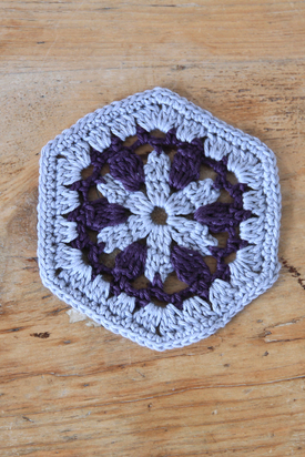 Crochet Along Week 5. Free hexagon motif crochet pattern.