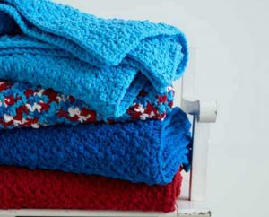 Bernat Pebble Stitch Throw Free Beginner Crochet Blanket Pattern