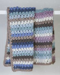 Free crochet pattern for an easy striped blanket