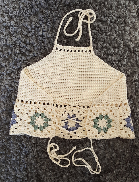 Free Crochet Pattern for Hepatica Granny Halter Top ⋆ Crochet Kingdom