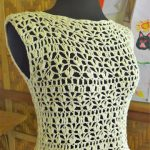 Free Crochet Pattern for White Feathers Top.