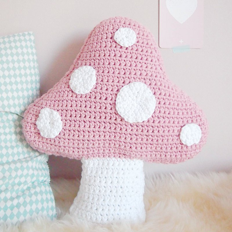 Free Crochet Pattern for a Mushroom Shaped Cushion.