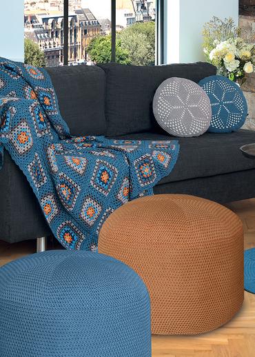Free Crochet Pattern for a Pouffe.