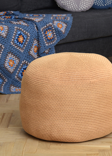 Free Crochet Pattern for a Pouffe.