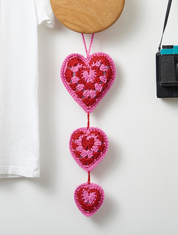 Free Heart Decoration Crochet Pattern.