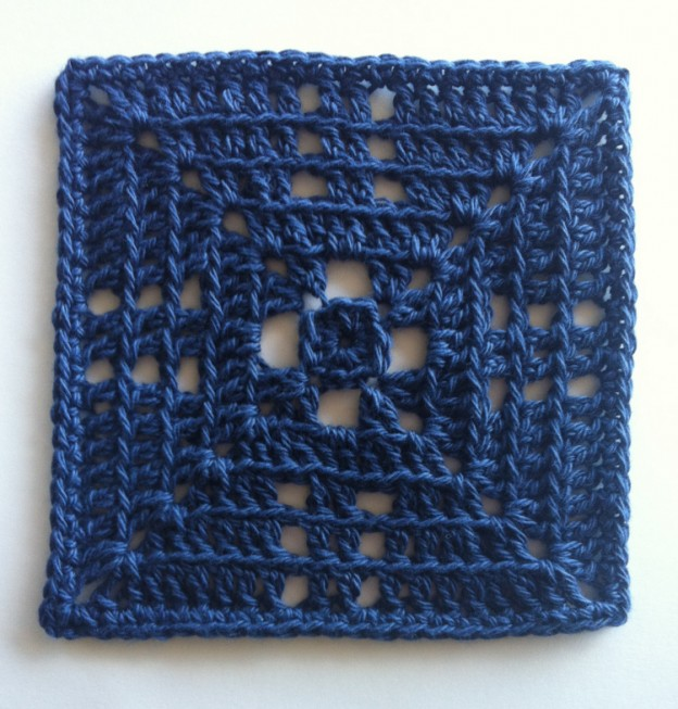 4eaad27a241b Free Crochet Solid Square Pattern Beyond the Granny ⋆ Crochet Kingdom
