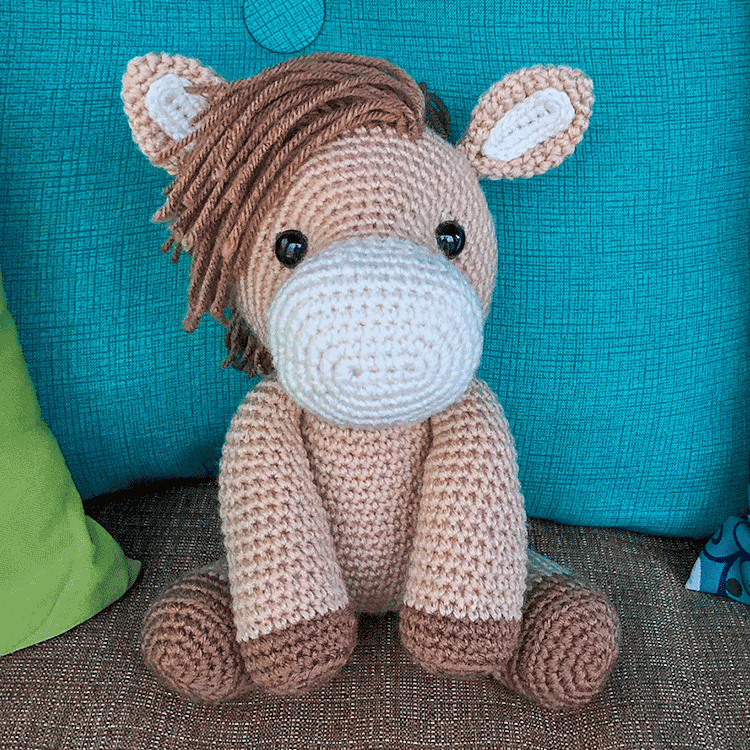 Free Amigurumi Crochet Pattern for Heidi the Horse