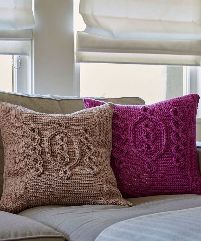 Free Crochet Pattern for a Chic Cable Pillow