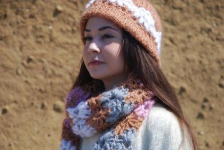Free Crochet Pattern for a DesignEtte Crochet Hat & Scarf