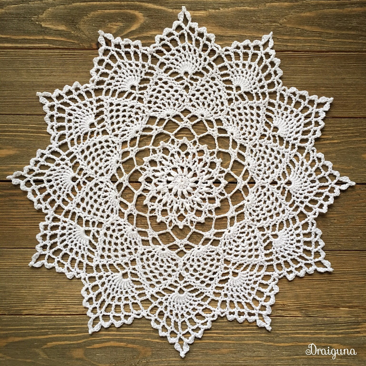 Free Crochet Pattern For Moonpetals Doily ⋆ Crochet Kingdom