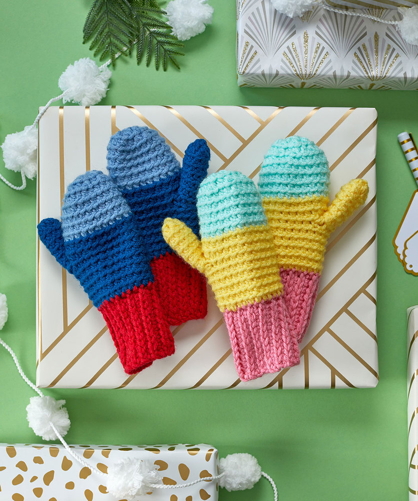 Free Crochet Pattern for Snowday Crochet Mittens