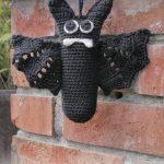 Free Crochet Pattern for a Halloween Bat