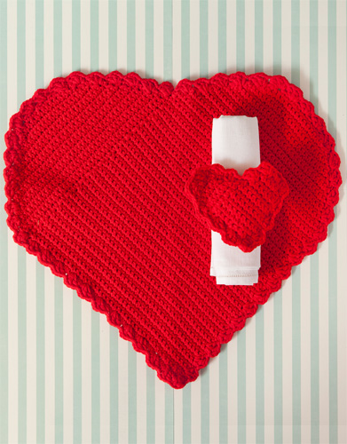 Free Crochet Pattern for a Heart Place Mat