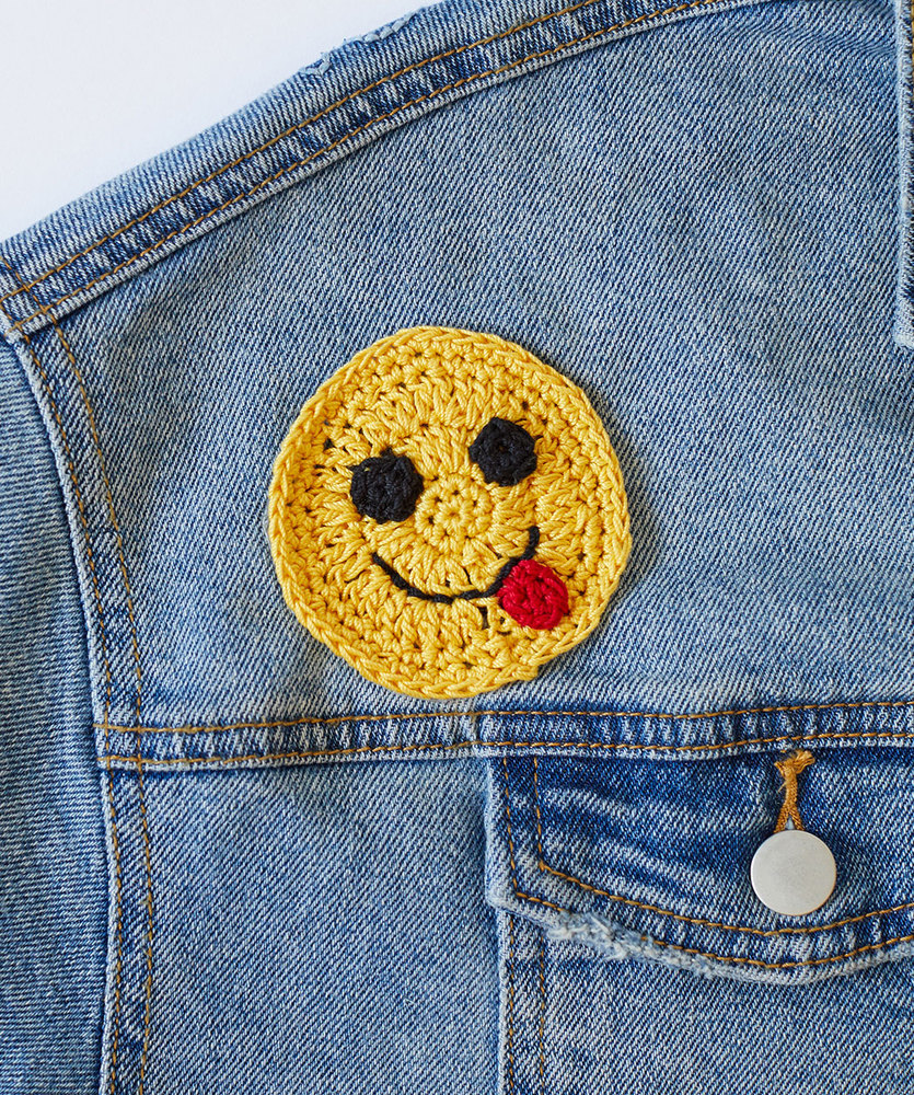 Free Crochet Pattern for a Yummy Happy Face Emoji Applique