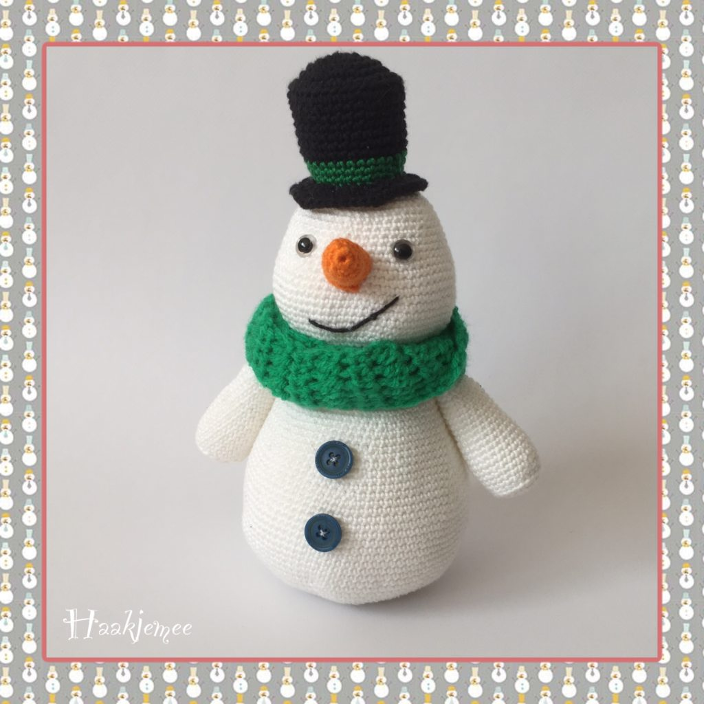 Free Crochet Pattern for Snowy the Snowman. Free Christmas crochet pattern.