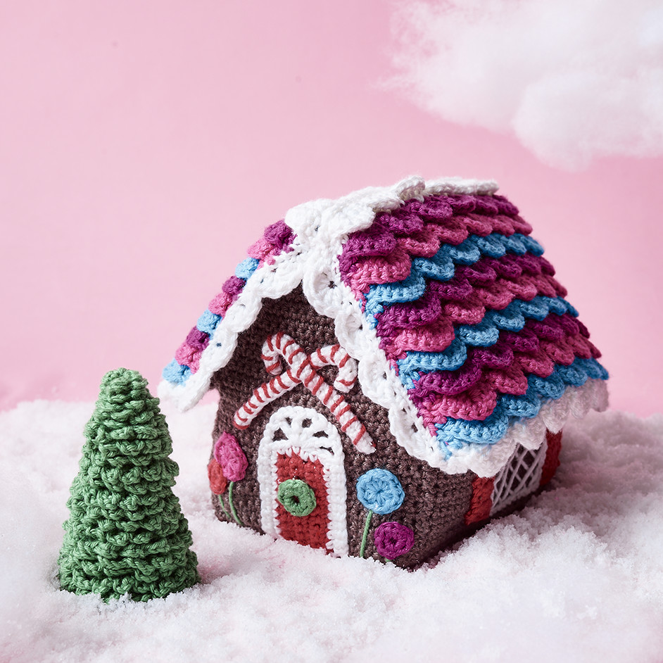 Free Crochet Pattern for a Gingerbread House