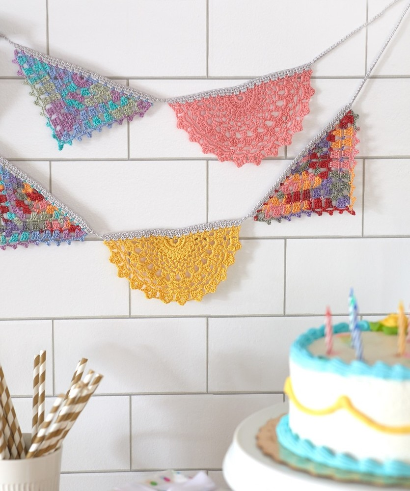 Free Knitting Pattern for a Doily Garland