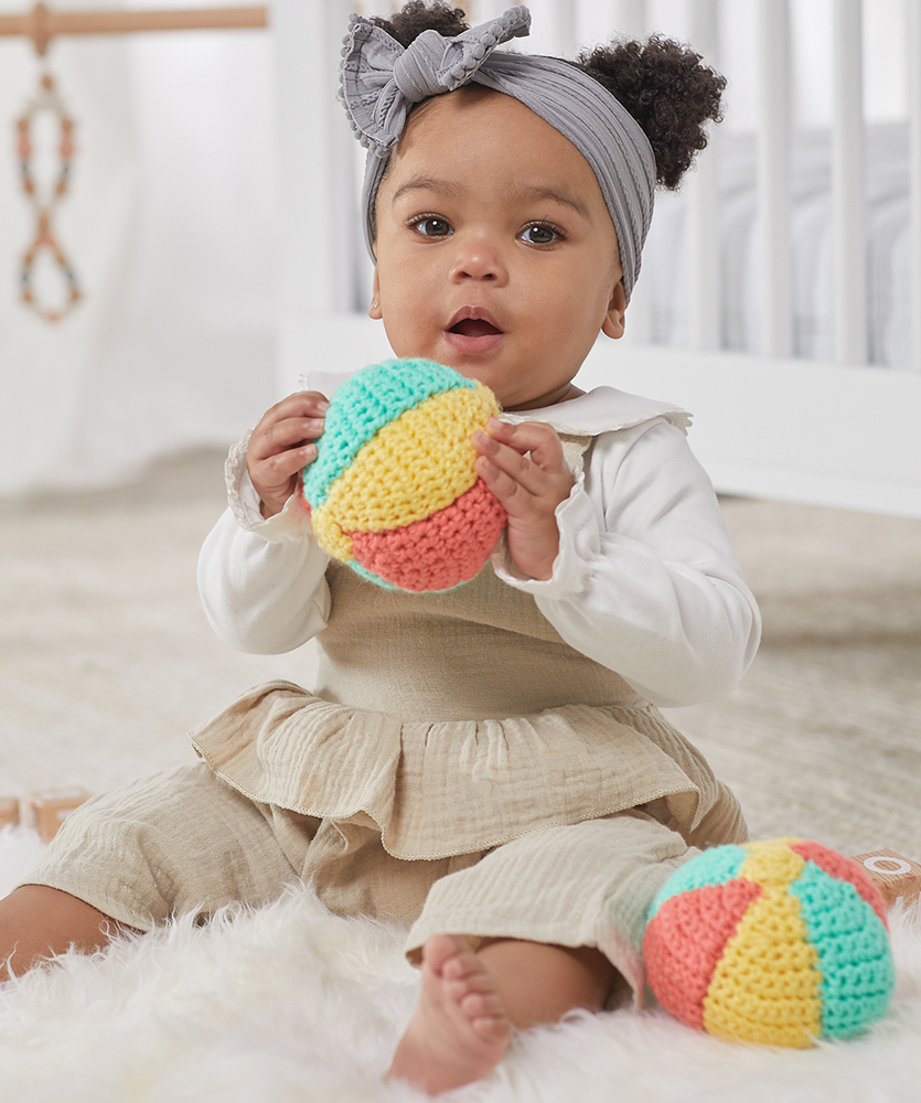 Free crochet pattern for a baby ball