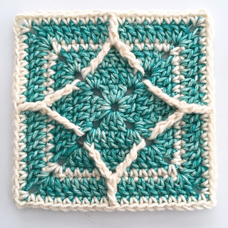https://www.ravelry.com/patterns/library/northern-diamond-square
