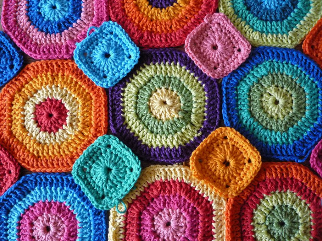 Stash buster crochet blanket idea hexagons and squares